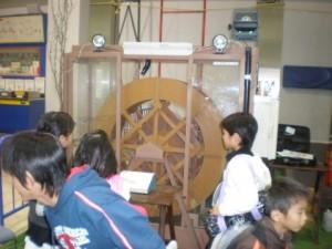 科学の祭典や出前授業風景